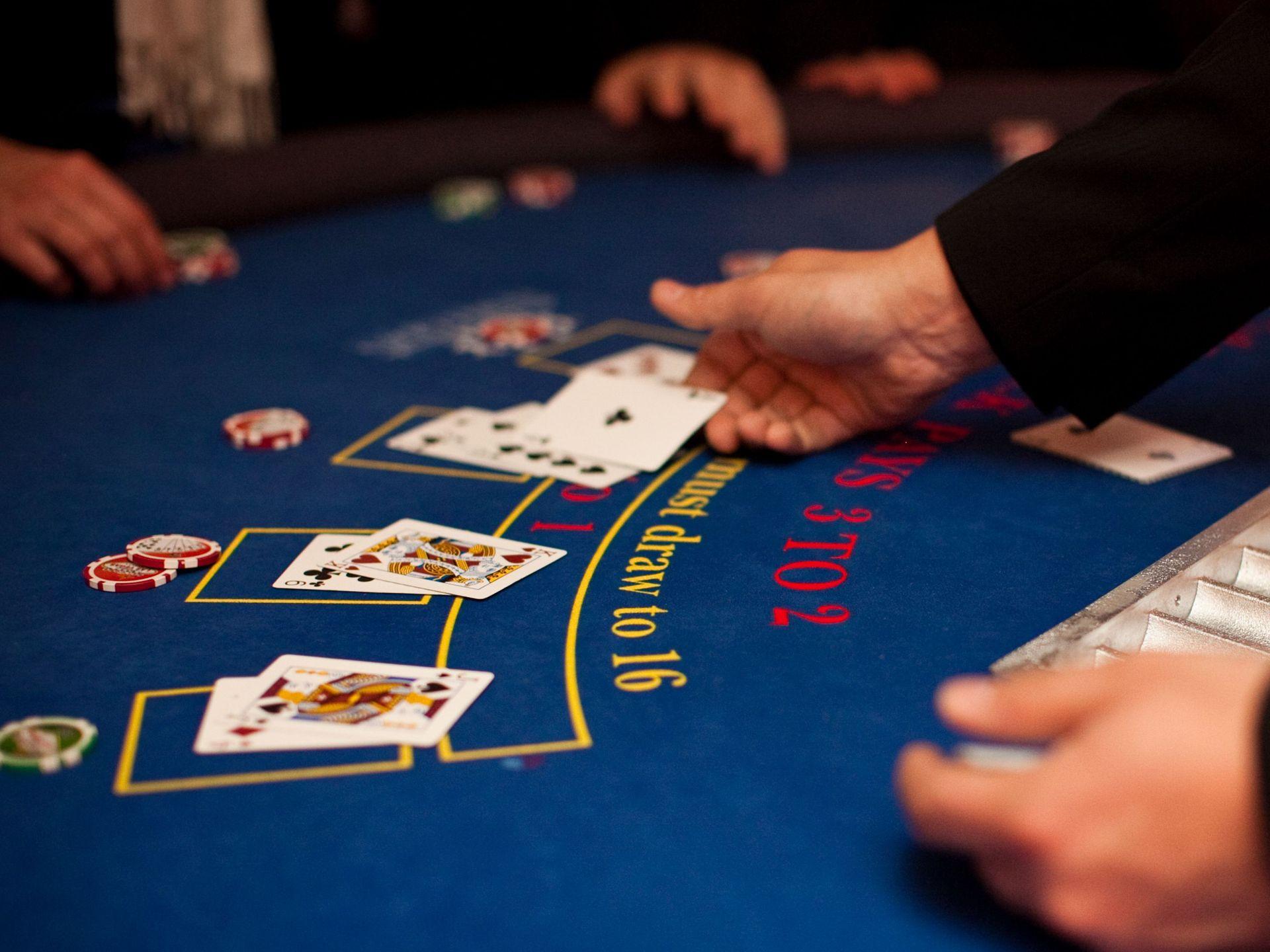 Blackjack France : de la stratégie mais pas que !
