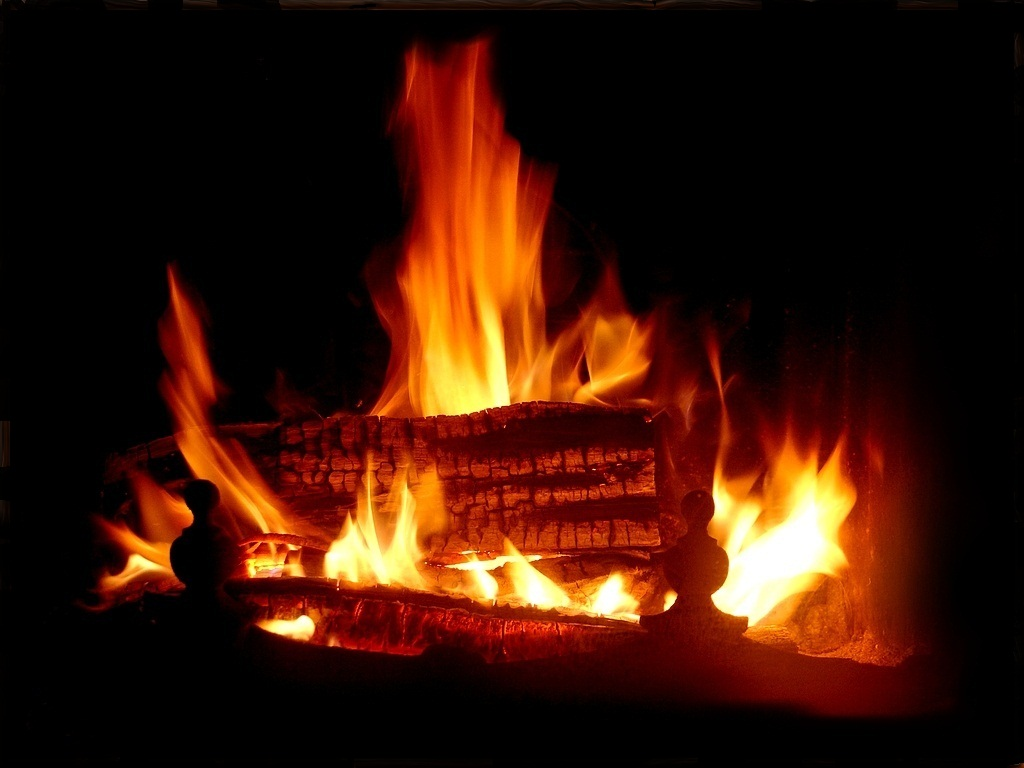Feu de chemin e je vous donne toutes les consignes de s curit avant d allu - Image feu de cheminee ...
